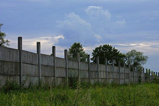 Czy ogrodzenia betonowe muszą być drogie?